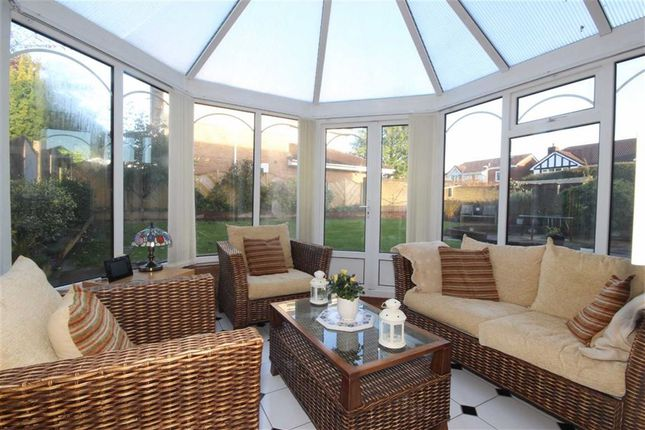 quayside close worsley manchester m28 4 bedroom. Black Bedroom Furniture Sets. Home Design Ideas