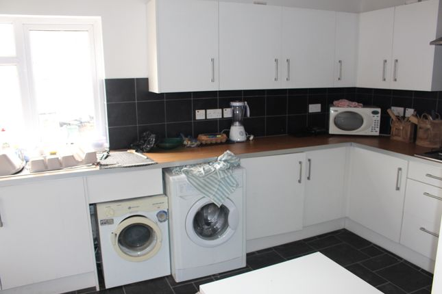 Thumbnail Semi-detached house to rent in Radcliffe Road, West Bridgford