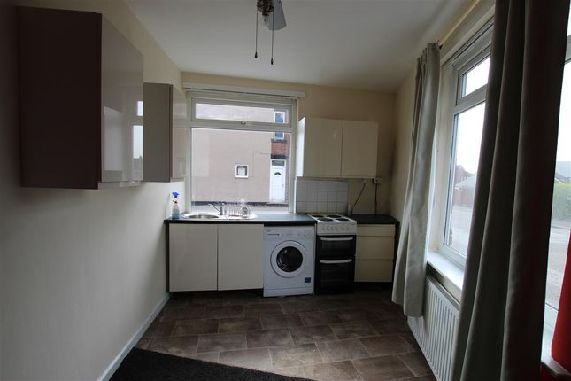 Thumbnail Flat to rent in North Road, Royston, Barnsley