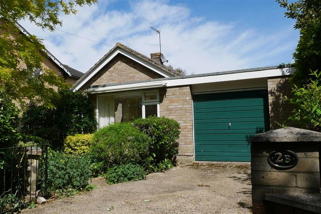 Thumbnail Bungalow to rent in Park Avenue, St. Ives, Huntingdon