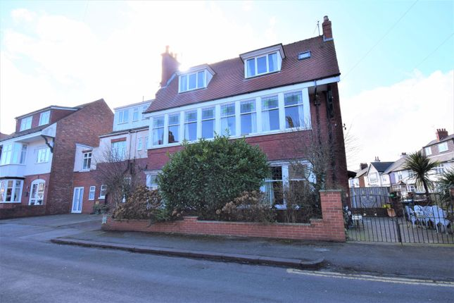 Thumbnail Detached house for sale in Roundhay Road, Bridlington
