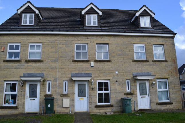 Thumbnail Town house to rent in Keilder Crescent, Queensbury, Bradford