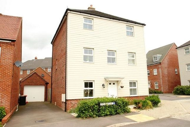 Thumbnail Town house to rent in Fieldstone, Houghton Regis, Dunstable