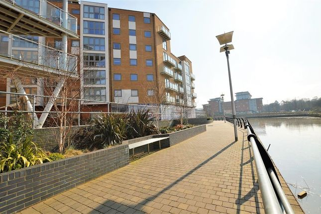 2 bed flat to rent in Ship Wharf, Colchester