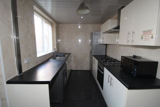 Thumbnail Terraced house to rent in Brook Street, Preston