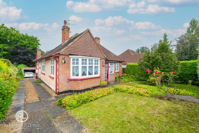 3 bed detached bungalow for sale in The Dale, Letchworth Garden City SG6