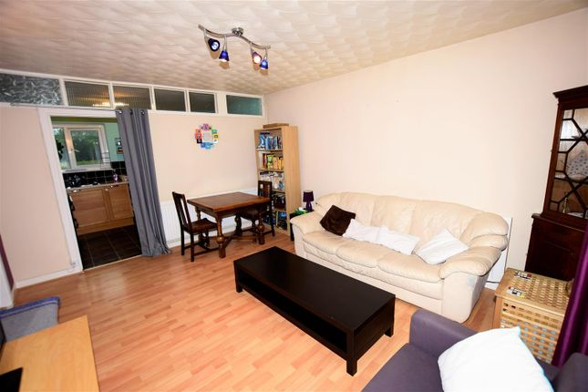 Living Room of Maple Close, Barry CF62