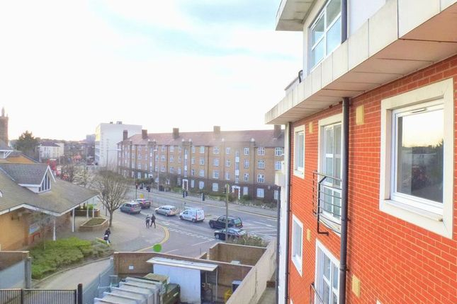 Thumbnail Flat to rent in Buick House, London Road, Kingston Upon Thames