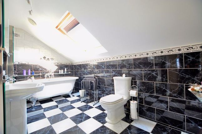 Family Bathroom of Manesty Rise, Low Moresby, Whitehaven CA28