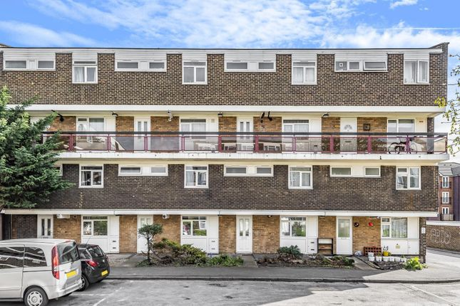 3 bed maisonette for sale in Churchdown, Wessex Close, Kingston Upon Thames KT1