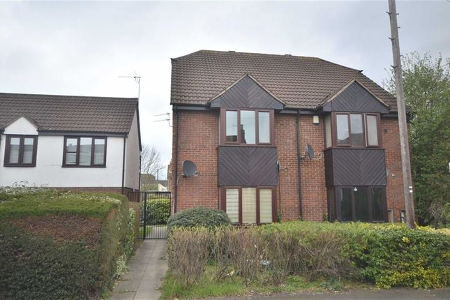 Thumbnail Flat for sale in Lysons Avenue, Linden, Gloucester