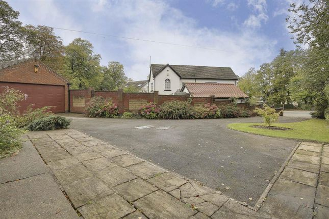 19850 of Woodthorpe Drive, Woodthorpe, Nottinghamshire NG5