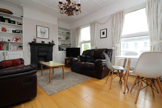 Thumbnail Flat to rent in Crescent Road, Alexandra Park, London