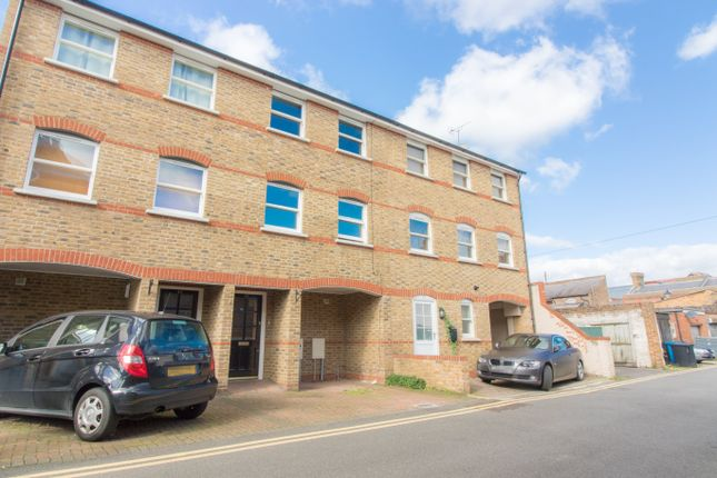 Thumbnail Town house to rent in St. Leonards Avenue, Windsor