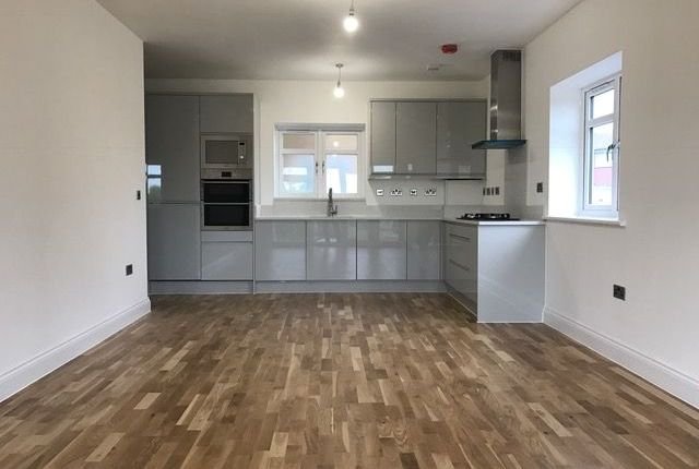 Thumbnail Flat to rent in Oakhampton Crescent, Welling