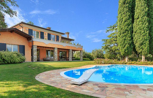 4 bed villa for sale in Manerba Del Garda, Manerba Del Garda, Brescia, Lombardy, Italy
