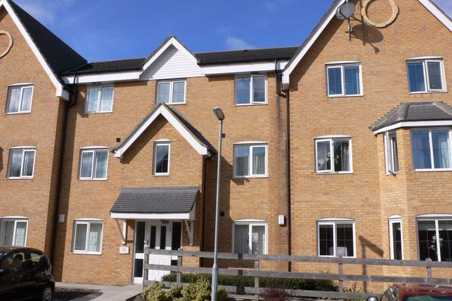 Thumbnail Flat to rent in Bracken Green, Tall Trees, East Ardsley