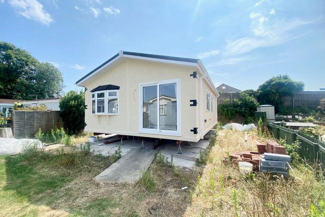 2 bed mobile/park home for sale in Old Bridge Road, Bournemouth BH6