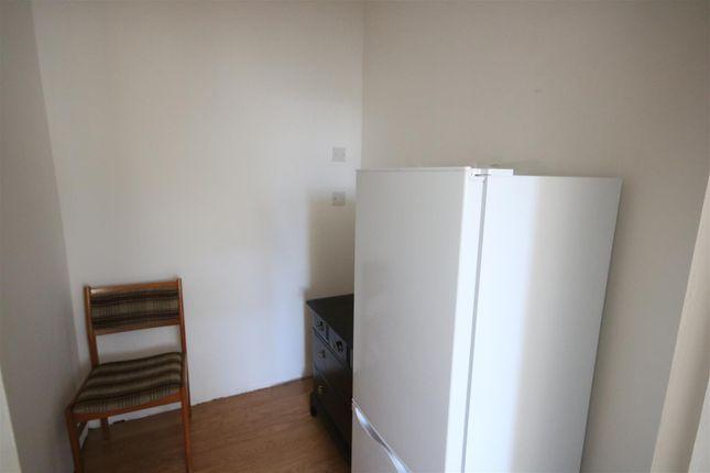 Bedroom-Side Room