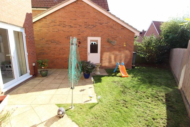 Outside of Jackdaw Drive, Stanway, Colchester CO3