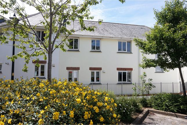 2 bed flat for sale in Gweal Pawl, Redruth