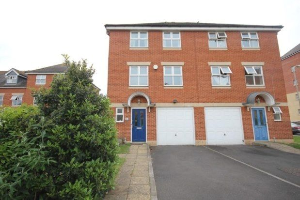 Thumbnail Town house to rent in Usher Close, Bedford