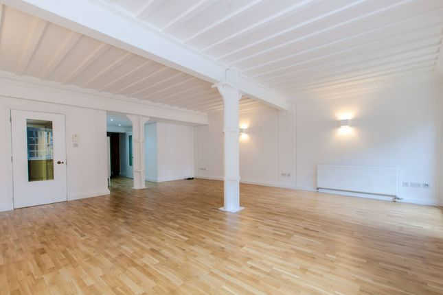 Thumbnail Flat for sale in Shad Thames, Shad Thames