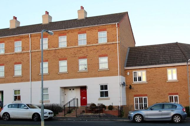 Thumbnail Town house for sale in Flying Dutchman Way, Daventry