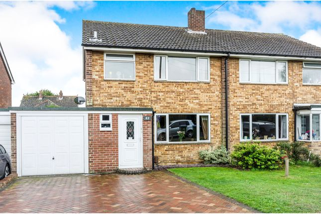 3 bed semi-detached house to rent in Beacon Way, Park Gate, Southampton SO31