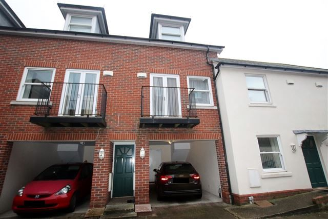 Thumbnail Town house to rent in The Mews, 2 The Pallant, Havant, Hampshire