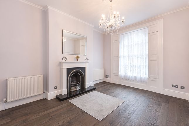 Thumbnail Flat to rent in Amwell Street, London