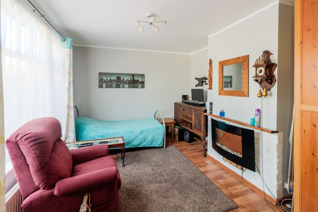 Thumbnail Terraced house for sale in Staveley Crescent, Bristol