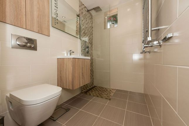 Photo 1 of Russell Rise, Luton LU1