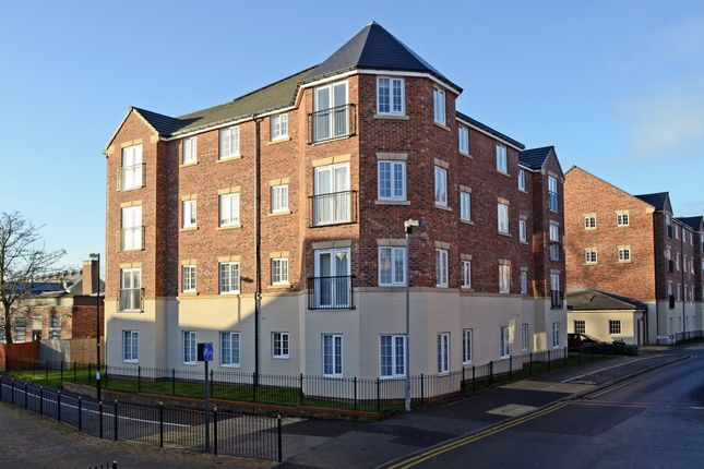 Thumbnail Flat to rent in Kensington Court, Dringhouses, York