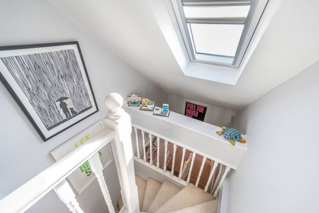 2 bed flat for sale in Ancona Road, Kensal Green, London NW10