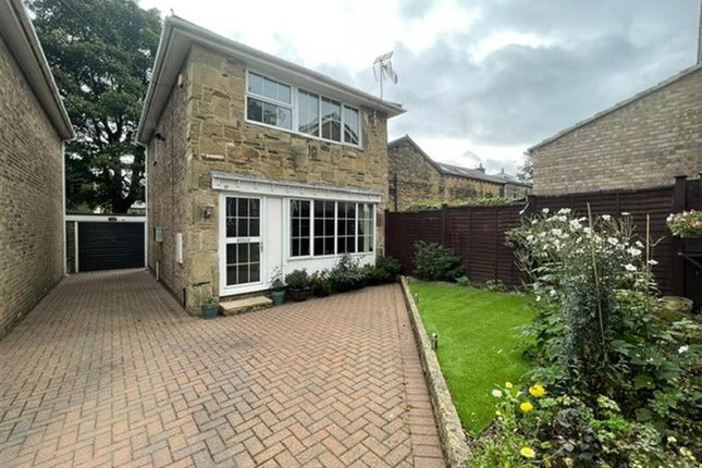 3 bed detached house for sale in Sycamore Walk, Farsley LS28