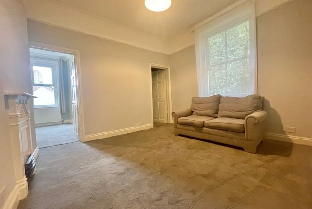 2 bed flat to rent in Devonshire House Bath Terrace, London SE1
