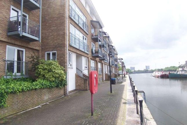 Thumbnail Flat to rent in Rainbow Quay, London