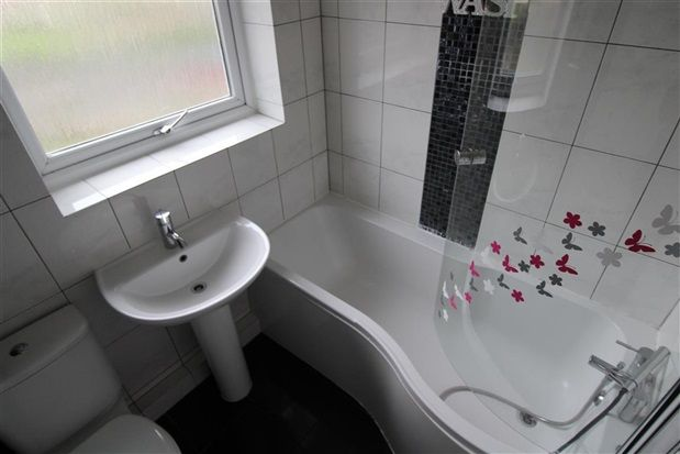 Bathroom of Grizedale Place, Preston PR2