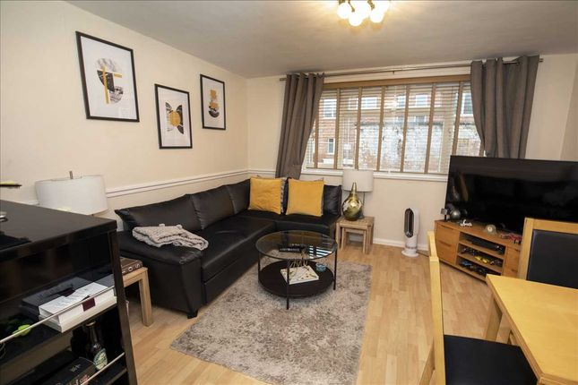 Thumbnail Flat to rent in Goodenough Way, Old Coulsdon, Coulsdon