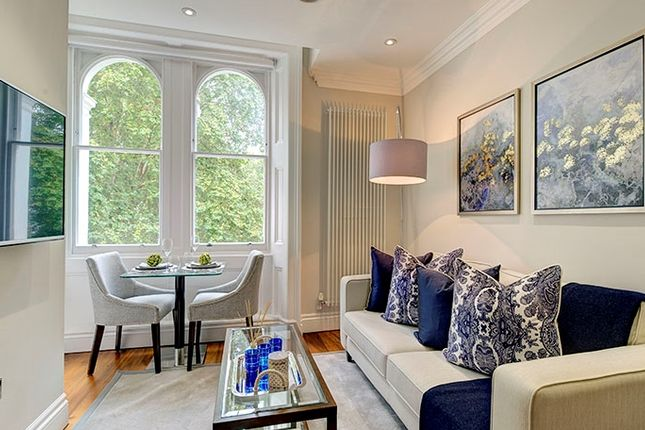 Thumbnail Flat for sale in Kensington Gardens Square, London