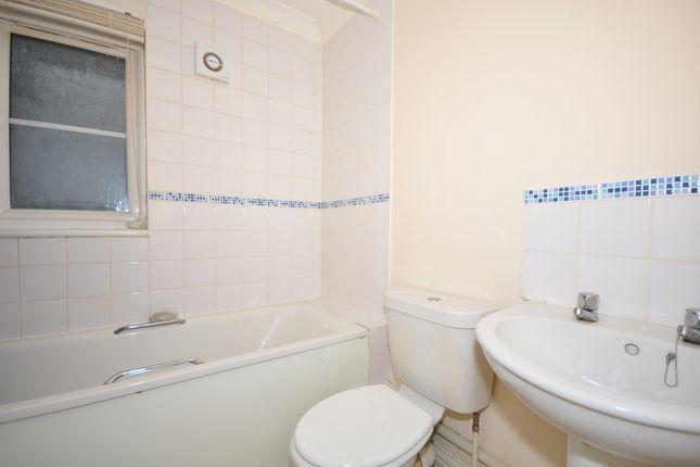 Bathroom of Holborough Road, Snodland ME6