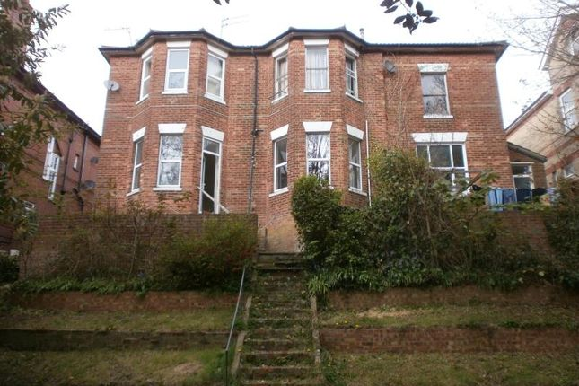 2 bedroom flat to rent in 1 14, Carlton Road, Bournemouth, Dorset