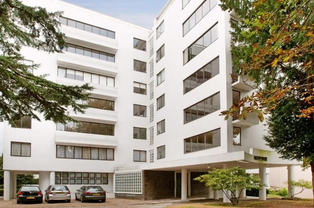 Thumbnail Flat for sale in North Hill, Highgate Village, London