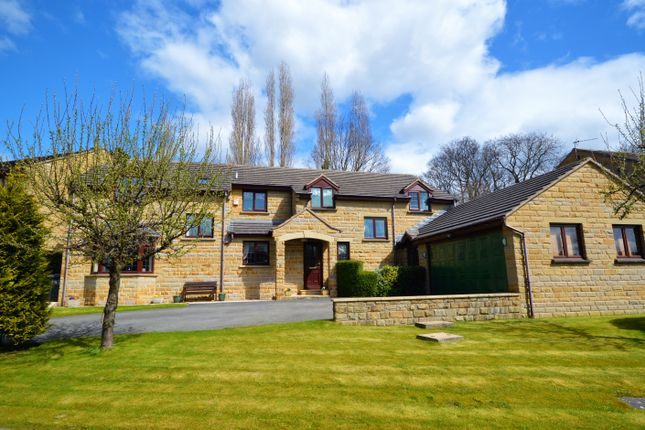 Thumbnail Detached house for sale in Vicarage Meadow, Mirfield
