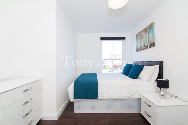 Thumbnail Flat to rent in Whitechapel Road, London