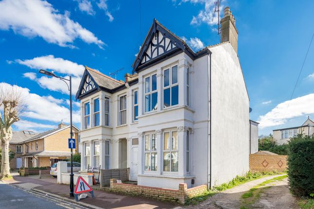 Thumbnail Semi-detached house to rent in Park Terrace, West Cliff On Sea