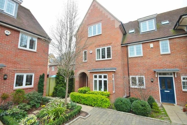 4 bed town house to rent in Lark Hill, Oxford
