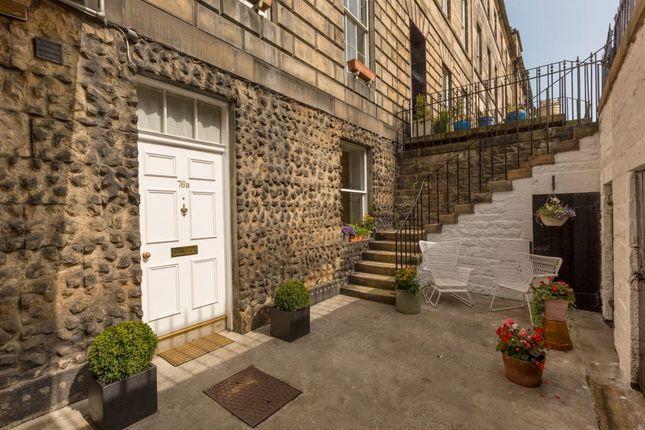Thumbnail Maisonette for sale in 76B Great King Street, New Town, Edinburgh