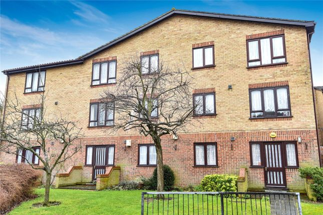 Thumbnail Flat for sale in Ainsley Close, Edmonton, London